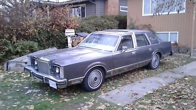 Lincoln: Continental Mark V1 81 Lincoln Continental Mark V1