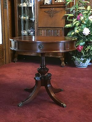 Lovely Mahogany Lamp/Occasional Table