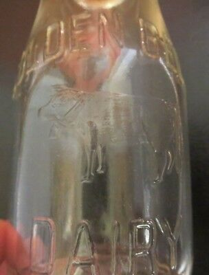 1941 Kenosha Wisconsin GOLDEN BELL DAIRY Milk Bottle Embossed Glass Half Pint