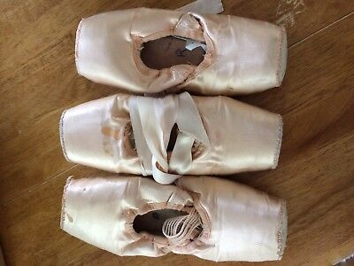 Lot of 3 Pairs Pointe Shoes Freed Used Dead, FOR CRAFTING ART DECORATION ONLY