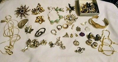 272 Grams Vintage Sterling Silver Jewelry Lot  Scrap.Repair Some ok need cleanin