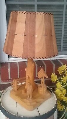 Vintage hand carved wood LOOK table lamp, P.E. Caron, Canadian folk - Rustic