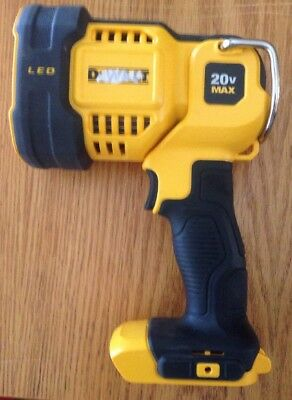 DEWALT 20V MAX Cordless Lithium-Ion LED Spot Light DCL043 (Tool Only)
