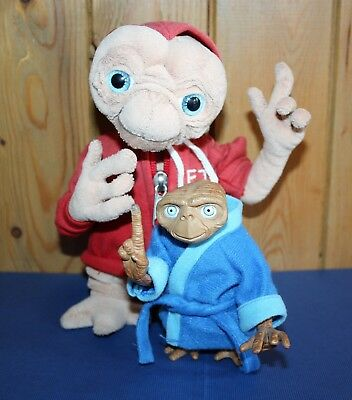 2 E.T. Figures 1 plush with  tags * 1 interactive Talks & finger lights up