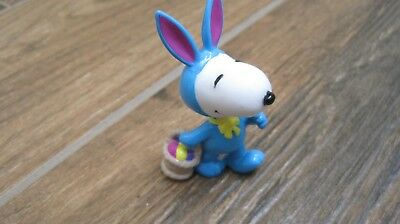 Peanuts Snoopy Easter Whitman candies PVC figure Snoopy in bunny suit