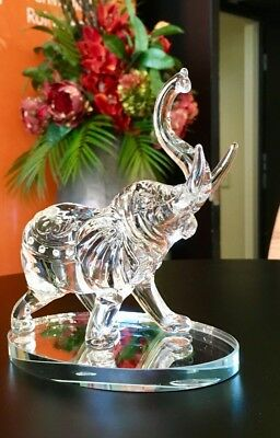 ELEPHANTS Crystal glass 14cm high Feng Shui very good looking and branch new