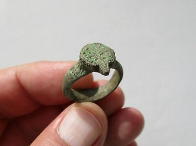 ancient late Roman - Byzantine bronze ring nicely carved owl face on it