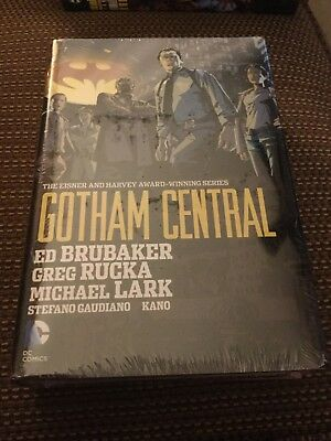 Gotham Central Omnibus hardcover graphic Novel DC Comics  Batman never opened