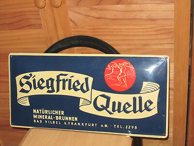 altes originales gewölbtes Blechschild Siegfried Quelle Bad Vilbel