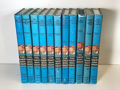 5 Hardy Boys Books - childrens books lot/sets