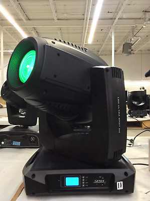 LED ULTRA SPOT 800 Moving Head