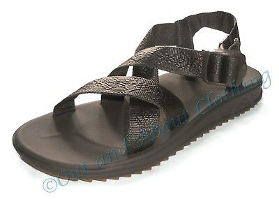 Reef Mens 'Rover XT' Cross Over Strap Sandals - Brown
