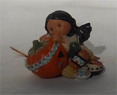 1995 Enesco Friends of the Feather Smile Carver