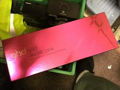 """GHD gold electric pink 1"""" styler"""