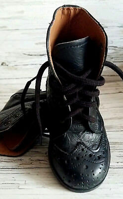 Vintage/Retro Kids/Childs/Unisex Black Leather Brogue Boots by PUKKA. Size 5.