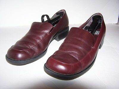 9eb870f4d72 Women s Brown Mootsies Tootsies Loafers Size 9.5M Free Shipping USA Very gd  cond
