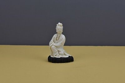 Chinese Qing Dynasty Blanc De Chine Guanyin On Wood Base