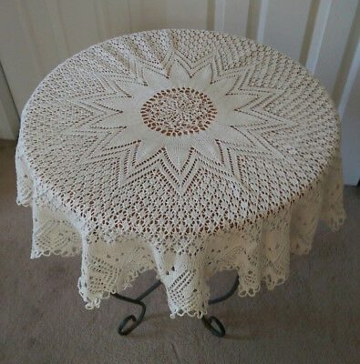 """Beautiful Vintage Ivory/Ecru Hand-Made Knitted Round Tablecloth 33"""" diam."""