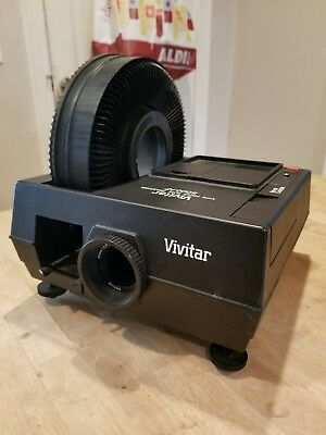 Vivitar 5000 AF Auto Focus Slide Projector With Carousel And Case