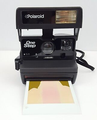 Polaroid Camera One Step Flash Close Up Instant with Strap uses 600 film Vintage