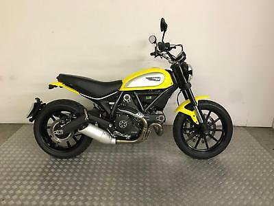 Ducati Scrambler Icon 803cc 2015 with 3107 miles - One owner