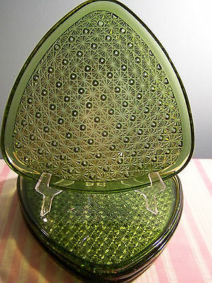 4 Green Glass Daisy Button Triangular Snack Plates 8 7/8""