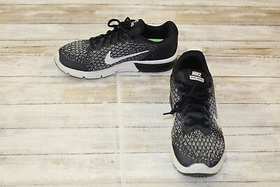 NIKE KIDS AIR Max Sequent 2 Sneakers, Big Boy's Size 6