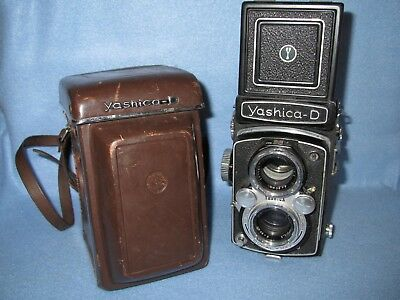 Vintage Yashica D TLR camera with 80mm Yashikor f3.5 lens FREE PRIORITY SHIPPING