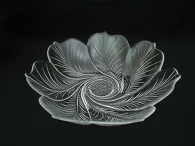 Cristal D'arques Bowl France - Chinon Flower Petal Pattern - 24% Lead Crystal