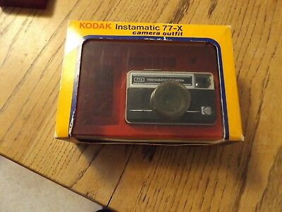 vintage Kodak Instamatic Camera 77 - X with box/instructions/warranty card