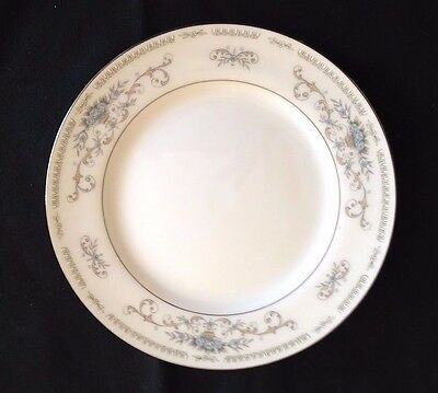 NICE Diane Fine China by Wade, Bread & Butter Plate, Blue Flowers & Tan Baskets