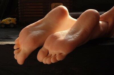 feet foot fetish pictures and items for sale female australian student