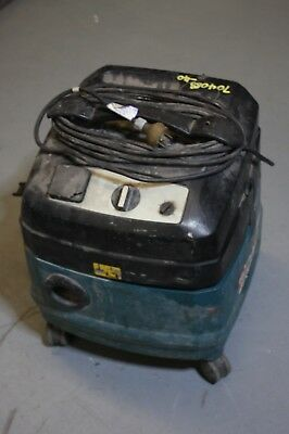Makita 443 Commercial Dust Extraction Vacuum - Used