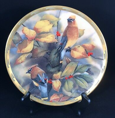 Lenox Decorative Plate Among the Berries. Natures Collage hand painted 24c gold