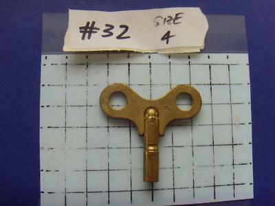 Old Clock key,   REF:k#32 size 4