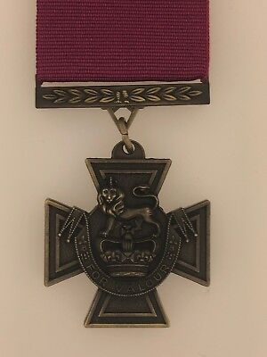 SUPERIOR QUALITY Solid Bronze British Victoria Cross Medal