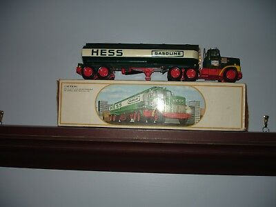Hess Vintage 1984 Toy Fuel Oil Tanker Truck Bank New in Box