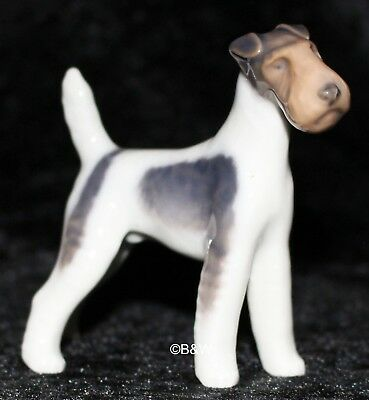 "ROYAL COPENHAGEN FIGUR #3170  ""WIRE HAIRED TERRIER"" TOP Bing Grondahl"