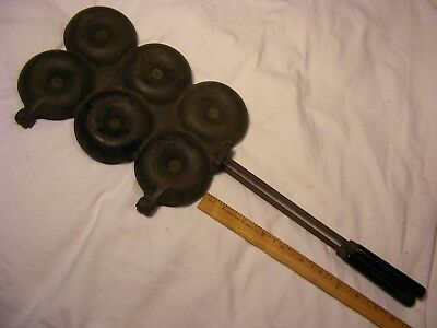 > > Fairly Rare Ace 6 cup Donut Mold ,  Cast Iron , Good condition , St Louis Mo