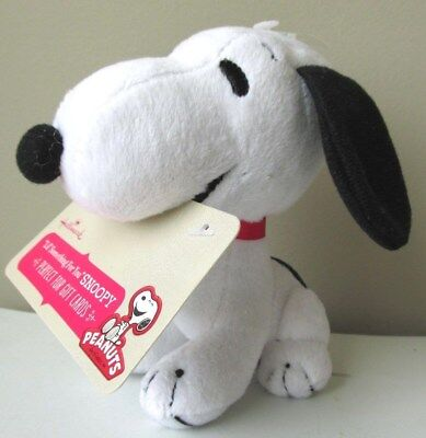 Hallmark Peanuts Snoopy Mini Gift Card Holder Plush 2013 New w/Tag