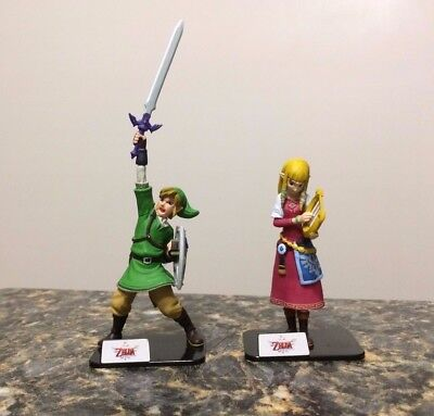 Nintendo Legend of Zelda Gashapon Skyward Sword Link & Zelda Takara Tomy Figure