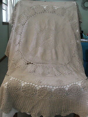 Vintage Crochet Table Cloth ~ Round ~ 120 CM Diameter