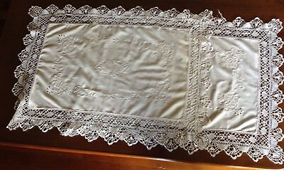 Vintage Pair White Embroidered Lace Edged Pillow Shams