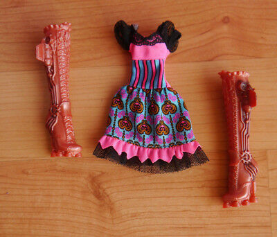 Monster High Puppenkleidung + Fashionset Draculaura + Fatale Fusion +