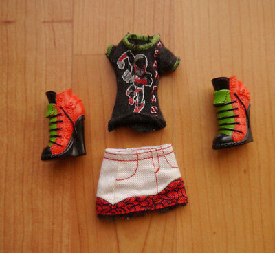 Monster High Puppenkleidung + Fashionset Ghoylia Yelps + Classroom +