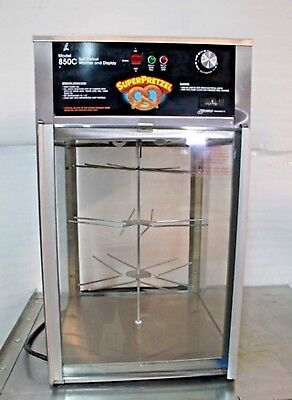 Wisco JJ850C Pretzel Warmer Display