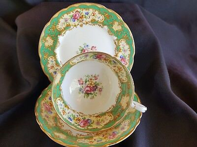 PARAGON CHINA GREEN POMPADOUR TRIO.Paragon vintage trio