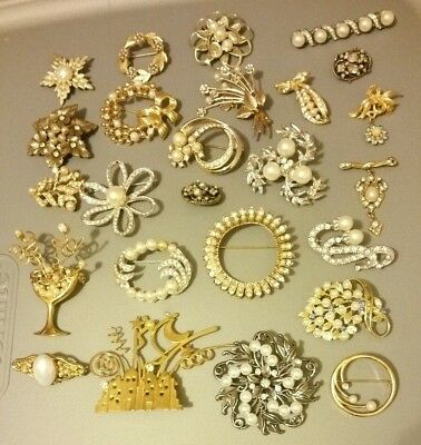 Huge LOT of 25 Antique VINTAGE Faux-Pearl & Crystal RHINESTONE Pins BROOCHES