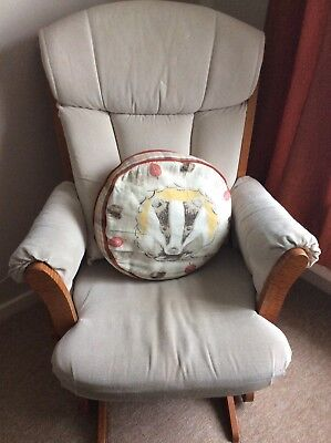 Rocking/Nursing Chair. Wooden, Quiet, Comfortable. Used