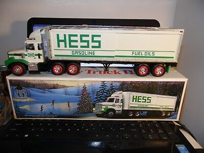Vintage 1987 HESS Gasoline/Fuel 18 Wheeler Tractor Trailer Toy Bank Truck-Used